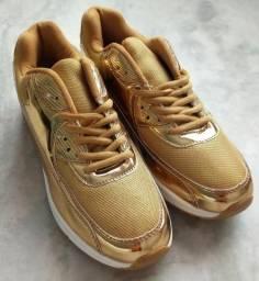 Tênis Runnig Dourado tamanho 38
