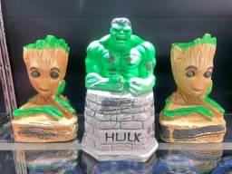 Título do anúncio: Bonecos de Gesso do Hulk e Groot