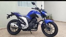 Moto Yamaha Fazer 300 - 2019