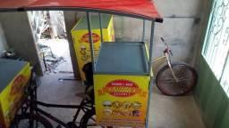 Bicicletas adaptadas para vender lanche