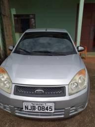 Fiesta sedan ano e mod 2008 - 2008