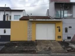 Vende Casa no Bairro Centauro Bem Localizada