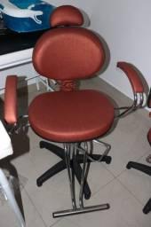 Cadeira p/ Salão de Cabeleireiro Hidráulica em Couro Ecológico Laranja 105cm x 70cm x 70cm