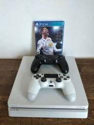 PS4 semi novo, apenas venda não aceito troca e nem catira.