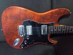 Guitarra condor antiga com pintura especial