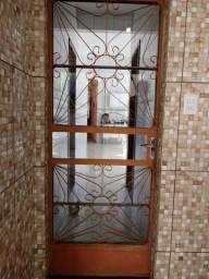 Porta de ferro (com vidro)