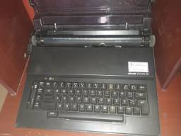 Maquina de escrever linda,vc dar de presente eletrica