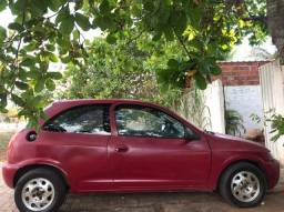 Celta 2003-2 portas -vermelho