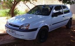 *Vendo Ford Fiesta 2000*