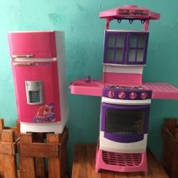 Vendo cozinha e geladeira infantil