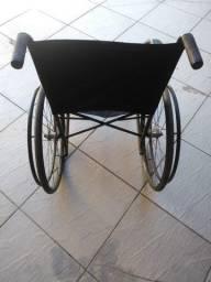 Título do anúncio: Cadeira de Rodas Sermi-Nova Até 120Kg