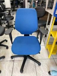 Cadeira flex form usada (bem conservada)