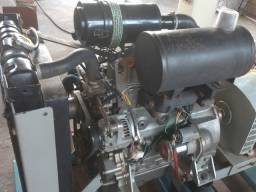 Motor diesel YANMAR 3 cilindros 36hp