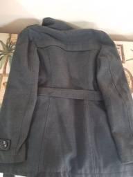 Semi novo o casaco tá inteiro