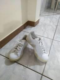 Vende-se tênis Adidas tamanho 35