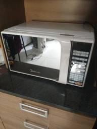 Título do anúncio: Vendo microondas midea 20 litros por apenas 350