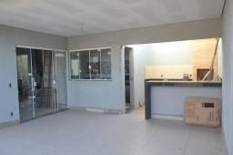 Título do anúncio: Sobrado para venda tem 155 metros quadrados com 3 quartos em Laranjeiras - Uberlândia - MG