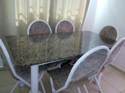 Mesa de marmore com 6 lugares