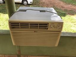 Ar Condicionado de janela LG 9.000 BTU