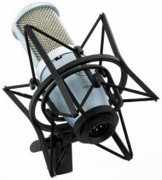Microfone Condensador Cardióide AKG Perception 220