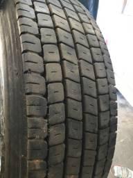 Roda e pneu de caminhão 215/75 R17.5 Modelo MC 45