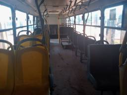 Vendo bancada de ônibus