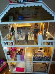 Casa da barbie Kidkraft com família completa, importada!