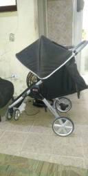 Vendo carrinho de bebe em pefeito estado todo inteirinhoso falta o bebe