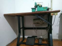 Máquina de costura Overloque Yamata