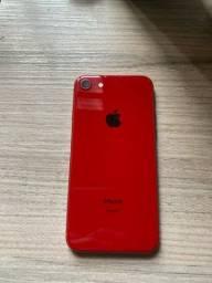 Título do anúncio: iPhone 8 vermelho 64gb com caixa
