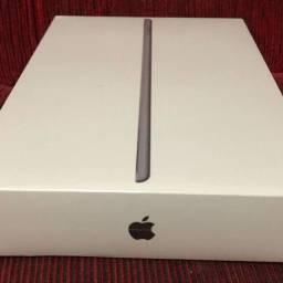 Título do anúncio: Apple iPad 7 de 128GB wi-fi 4G lacrado garantia 1 ano