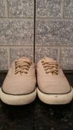 Dois pares de sapatênis tamanho 40 /41