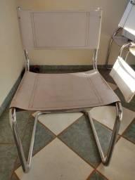 Cadeiras em couro de alumínio