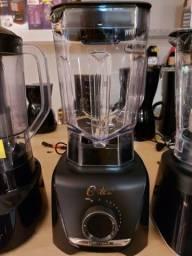 Liquidificador Oster 1400 watts potência,  Novo