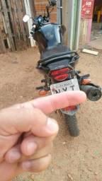 Título do anúncio: Vende-se uma moto Yamaha factor 150c baixei o preço