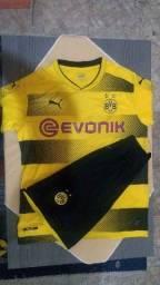 Camisas de primeira linha de times de futebol