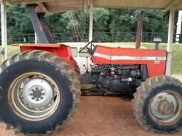 Trator Massey 275 4 x 4 ano 1989