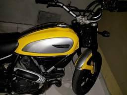Ducati scrambler icon 800cc ano 2016 troco moto menor valor - 2016