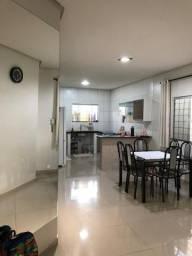 Alugo Casa Mobiliada