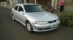 GM Vectra Millenium 8v - 2001
