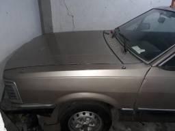 Vendo 2 carros parado a mais de 15 anos - 1984