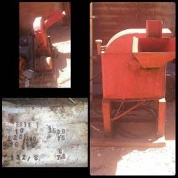 Triturador Forrageiro de Cana, Milho e Capim trifásico