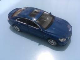 Miniatura Mercedes CLS 63
