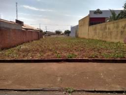 Terreno de 604,00 m2 em frente ao Fórum de Ibiporã.