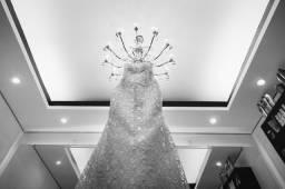 Vestido de noiva dos sonhos. Feito sob medida e usado apenas por mim.