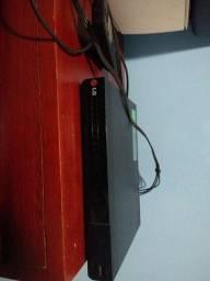Título do anúncio: DVD LG com cabo e controle.