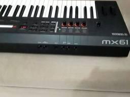 Teclado Yamaha MX61 versão 2