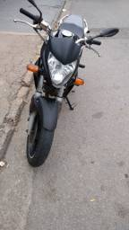 Título do anúncio: Vendo OU troca moto  CB 300 R 2011