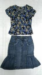 Título do anúncio: Blusa florida (M) e saia jeans (40)