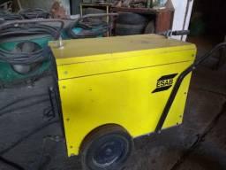 Máquina de solda Esab.